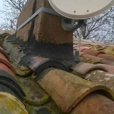 Etanchéité sous tuile canal après démontage d' une cheminée